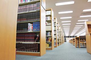 図書館(つくば国際大学図書館、つくば国際短期大学図書館)