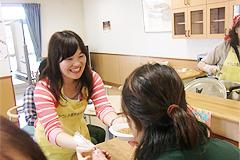 9月13日[学生の活動] 葛飾区のかがやけ共同作業所(知的・精神障がい者)で行われた『にいじゅく祭り』にボランティアとして参加しました