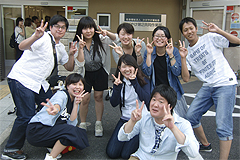 福祉活動サークルの学生と顧問がかがやけ第二共同作業所での一泊旅行にボランティアとして参加しました。
