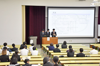 「第3回臨床検査学科卒業研究発表会」を行いました