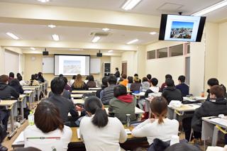 臨床検査学科で業界研究セミナーを開催しました(2019年2月)