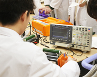 医療技術学科:授業紹介「医用治療機器学実習」