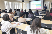 医療技術学科:学内業界研究セミナーを開催(平成30年度)
