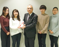 第26回霞祭での看護サークル企画の売上金を土浦市社会福祉協議会に寄付しました